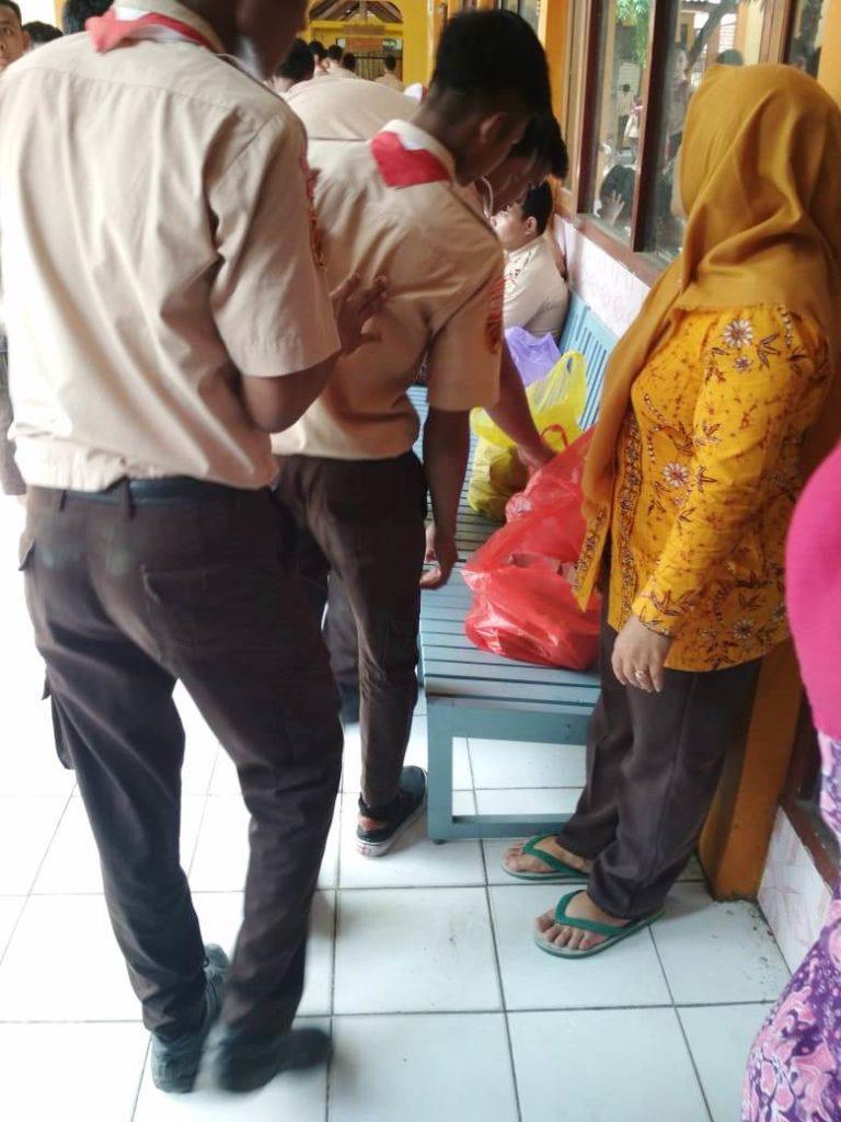 Jum'at Berbagi di SMA N 3 Rembang