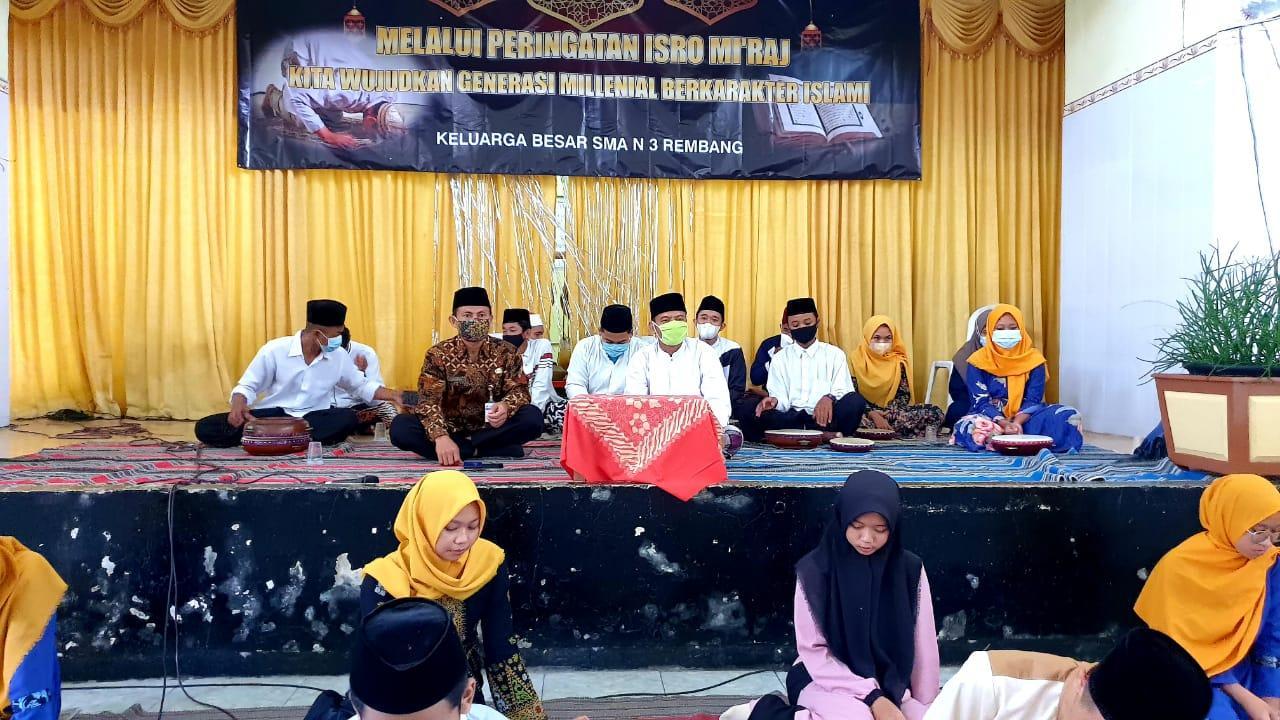 Peringatan Isro' Mi'raj 1442 H. di SMA Negeri 3 Rembang