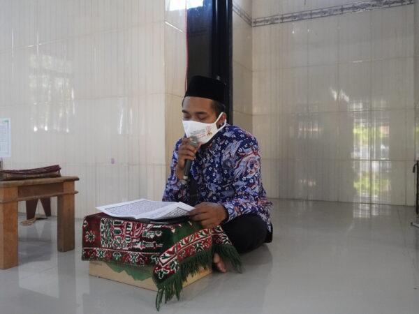 Menyambut Tahun Baru 1 Muharram 1443 SMAN 3 Rembang Mengadakan Doa Akhir Tahun